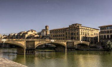 Podul Ponte alle Grazie din Florenta