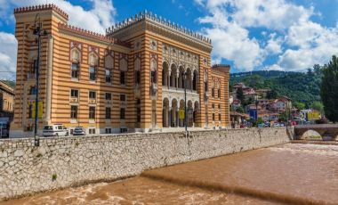 Biblioteca Nationala si Universitara din Sarajevo