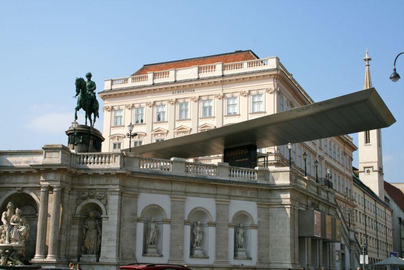 Imagini pentru viena palatul Albertina