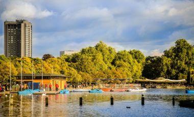 Lacul Serpentine din Londra