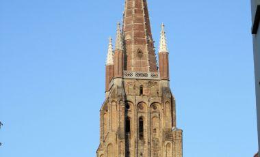 Turnul Bisericii Sfanta Fecioara din Bruges