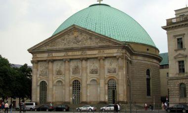 Catedrala Sankt-Hedwigs din Berlin