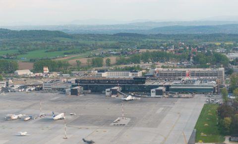 Aeroportul International Ioan Paul al II-lea – Cracovia
