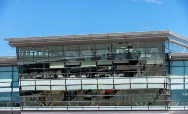 Aeroportul International - Ottawa