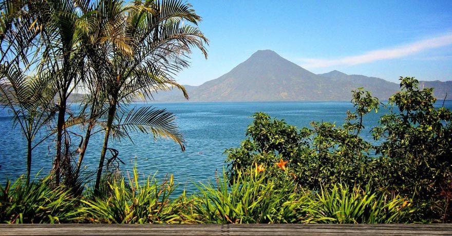 Lacul Atitlan