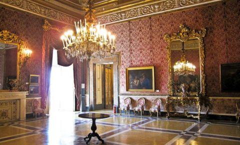 Palatul Regal din Napoli