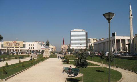 Piata Skanderberg din Tirana