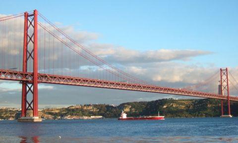 Podul 25 de Abril din Lisabona