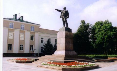 Statuia lui Lenin din Brest