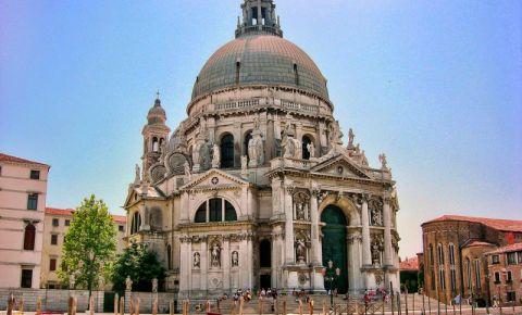 Basilica Santa Maria della Salute din Venetia