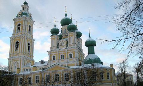 Biserica Adormirea Maicii Domnului din Sankt Petersburg