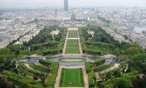 Champ de Mars din Paris