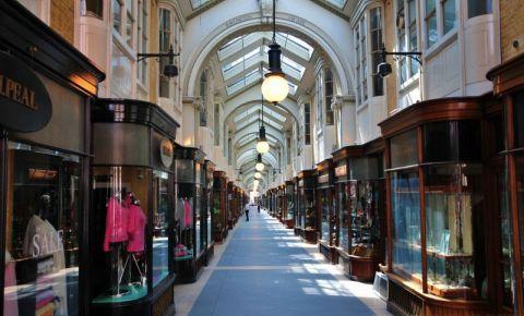 Galeria Burlington Arcade din Londra