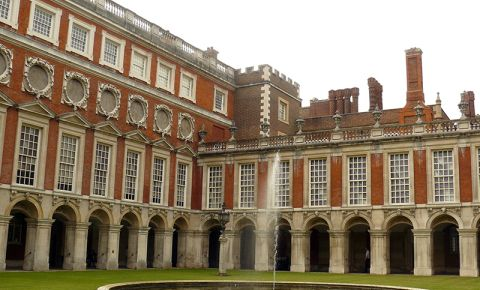 Palatul Hampton Court din Londra