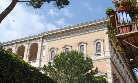 Palatul Farnese din Roma