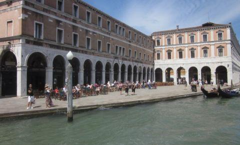Piata Rialto din Venetia