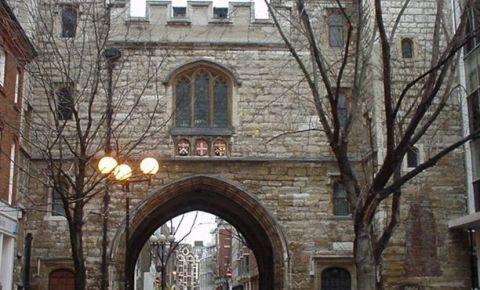 Poarta Sfantului Ioan din Londra