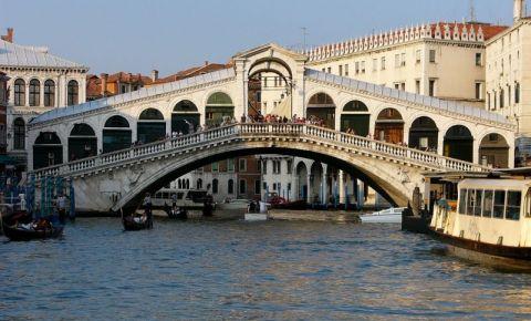 Podul Rialto din Venetia