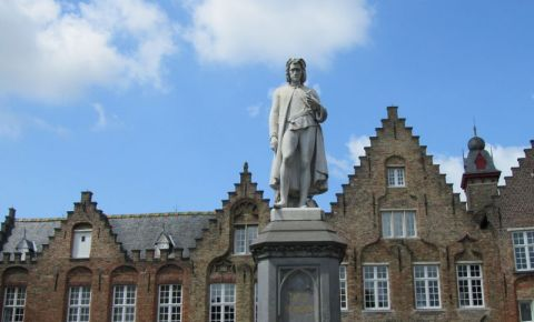 Statuia Hans Memling din Bruges
