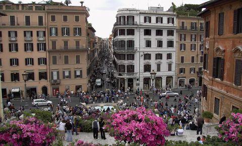Strada Via dei Condotti din Roma