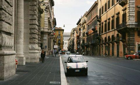 Strada Via del Corso din Roma