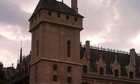 Turnul Orologiului din Paris