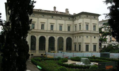Vila Farnesina din Roma