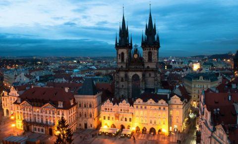Biserica Tyn din Praga (noaptea)