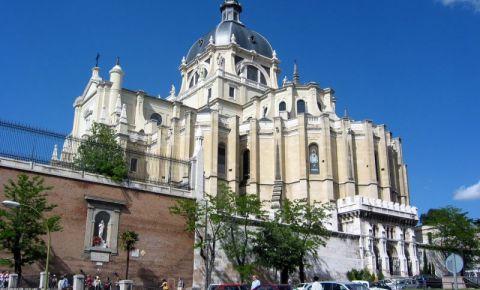 Catedrala Almudena din Madrid