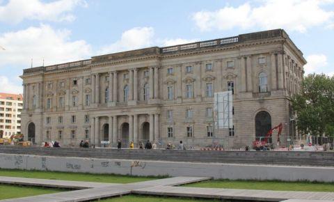 Cladirea Neuer Marstall din Berlin