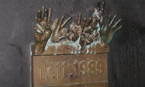 Memorialul Revolutiei de Catifea din Praga