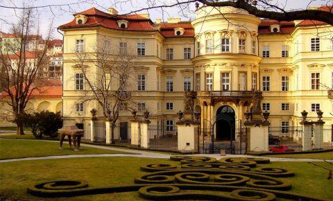Palatul Lobkowicz din Praga