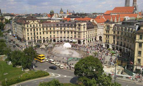 Piata Karlsplatz din Munchen