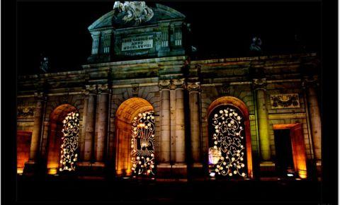Poarta Alcala din Madrid (noaptea)