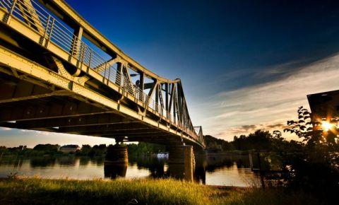Podul Glienicke din Berlin