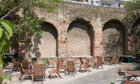 Ruinele Staufenmauer din Frankfurt