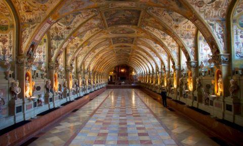 Sala Antiquarium a Palatului Regal din Munchen