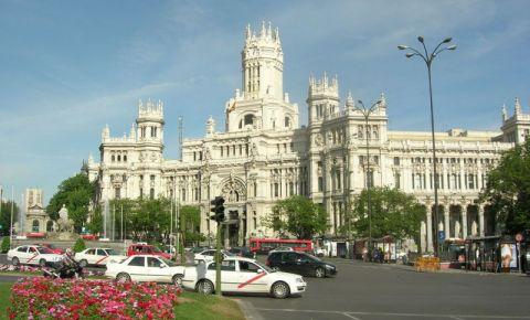 Sediul Oficiului Postal din Madrid