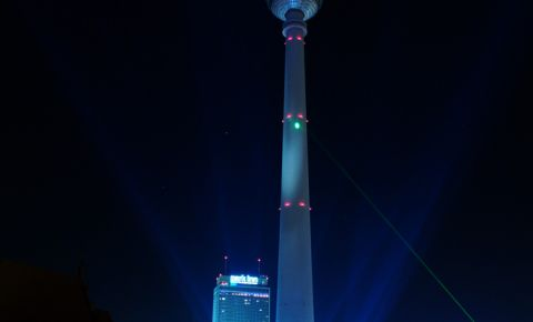Turnul Televiziunii din Berlin (noaptea)