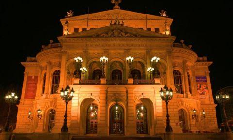 Vechea Opera din Frankfurt (noaptea)