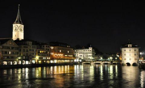 Biserica Sfantul Petru din Zurich (noaptea)
