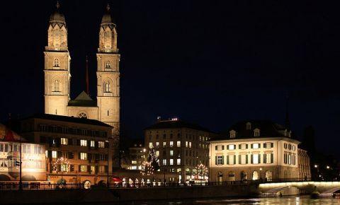 Marea Catedrala din Zurich (noaptea)