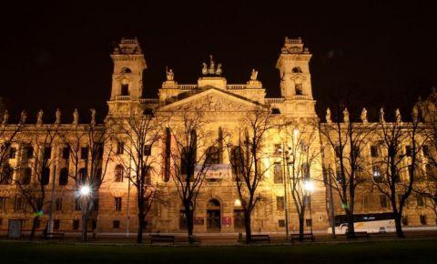 Muzeul Etnografic din Budapesta (noaptea)