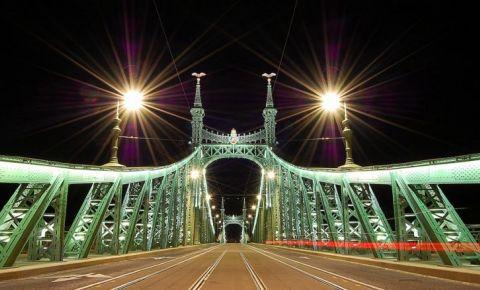 Podul Libertatii din Budapesta (noaptea)