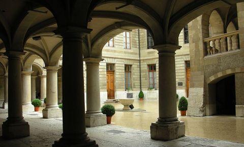 Primaria din Geneva (curte interioara)