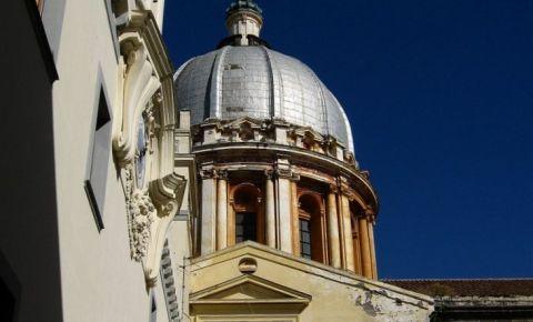 Bazilica Duhului Sfant din Napoli