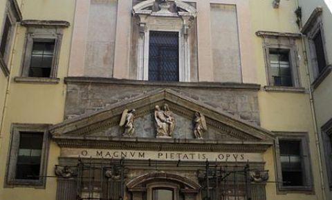 Capela del Monte di Pieta din Napoli