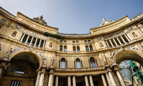 Galeria Umberto I din Napoli (exterior)