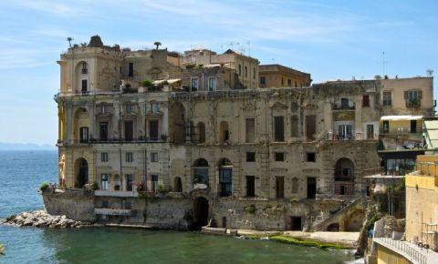 Palatul Donn'Anna din Napoli