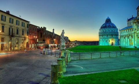 Piata Domului din Pisa